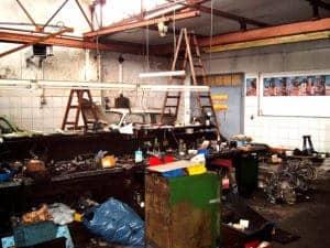 Müllhaufen Werkstatt