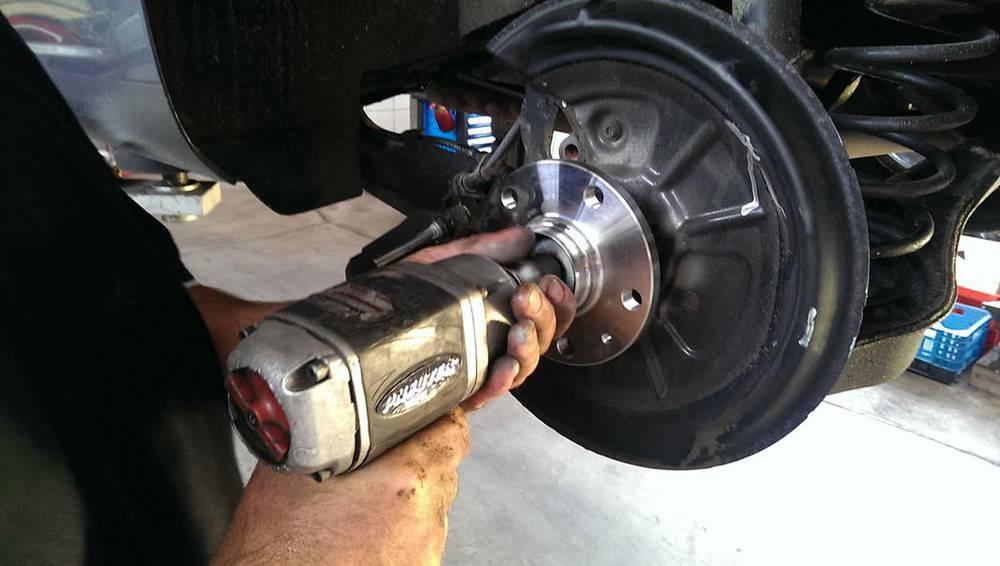 Radlager Montage Reparatur Autowerkstatt