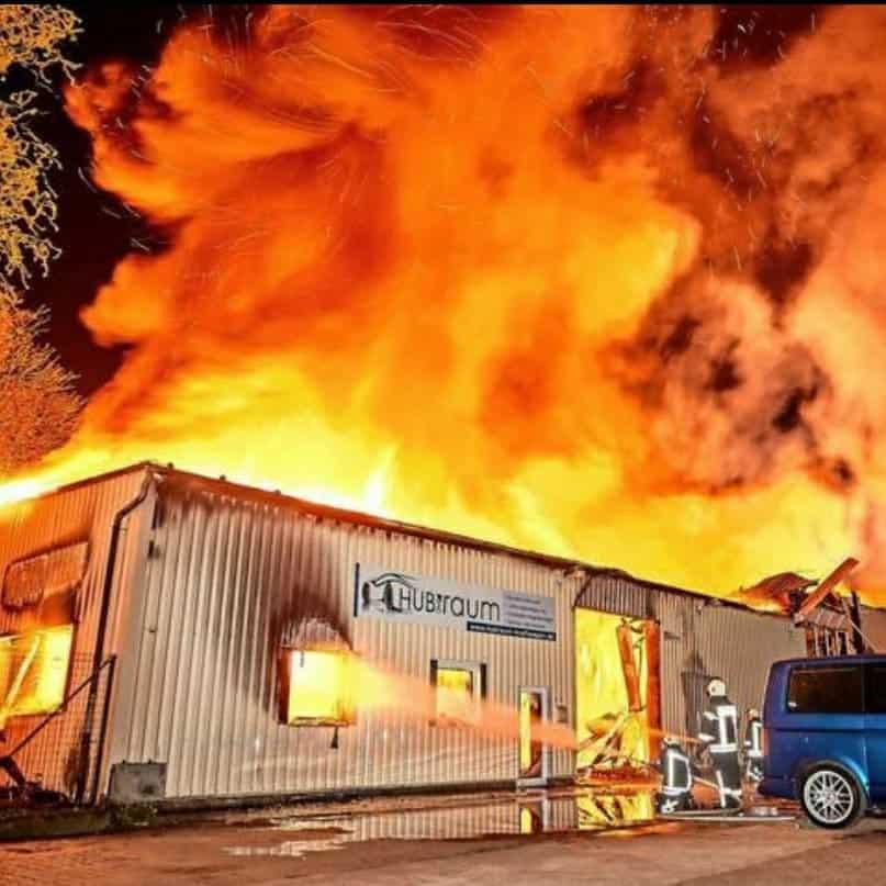Brand bei HUBraum Kraftwagen